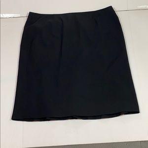 Jones Wear Black Pleated Skirt Size 14 like new